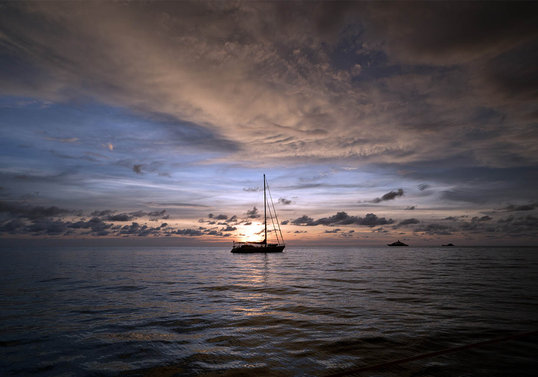 Compass Event - Seilbåt på stille vann