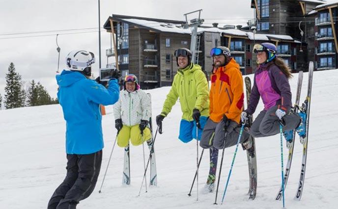 Rebusløp med ski - moro i bakken